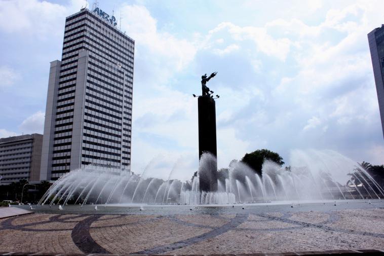 Bundaran HI Terletak Di Jakarta Mana?